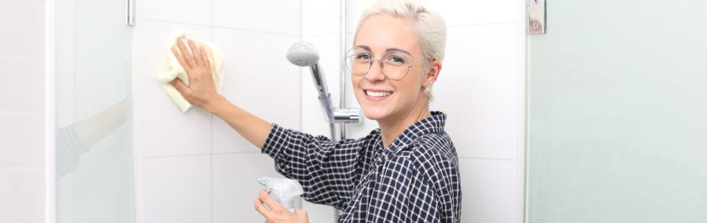 Grundreinigungsarbeiten in Bad oder Küche, Haushaltshilfe von Senifix aus Chemitz.